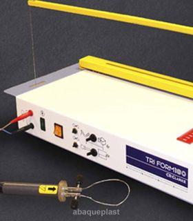 Découpeuse à fil chaud Tri form 180 Cr clarke pour la découpe de plaques et de bloque en polystyrène