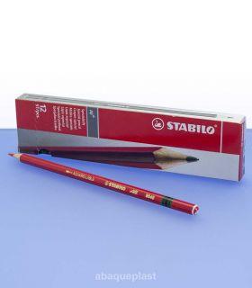 Boite crayon de couleur rouge