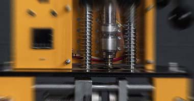 machine pour travailler les matières plastiques